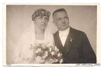 Alte Foto Postkarte ★ BRAUTPAAR ★  Bräutigam und Braut mit Schleier und Brautstrauß ★ Hochzeit 1927