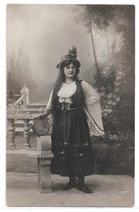 Alte Foto Postkarte  ★ TÄNZERIN MIT TAMBURIN ★ Frau in orientalischer Tracht, um 1900