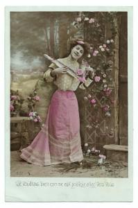 Alte Foto Postkarte ★ FRAU MIT FISCHEN ★ um 1910
