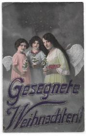 Alte Glitzer Postkarte ★ GESEGNETE WEIHNACHTEN! ★ Drei Engel mit kleinen Weihnachtsbäumen, 1915