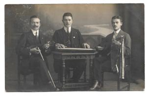 Alte Foto Postkarte ★MUSIKTRIO ★ Musiker mit Geige, Mandoline und Zither, 1914