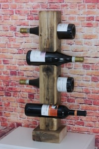 Weinflaschenständer aus Holzbalken Handmade
