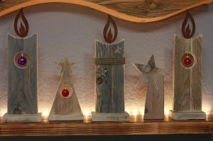 Holzkerze Weihnachtsdeko aus Altholz