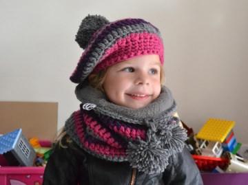 Kindermütze und gefütterter Loop im Streifenlook für Mädchen