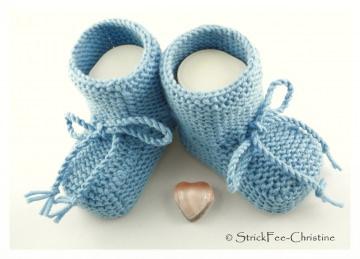 handgestrickte Babyschühchen Merino graublau hell für Junge