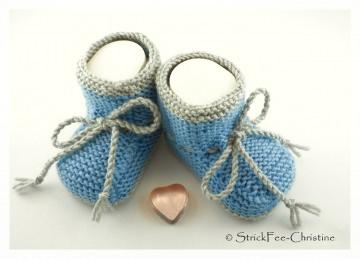 gestrickte Babyschühchen Merino graublau/hellgrau  Junge
