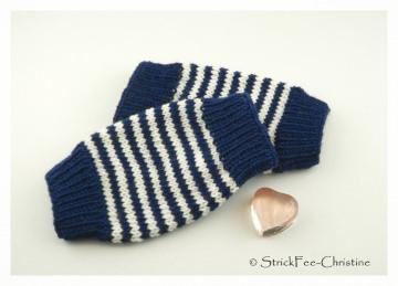 handgestrickte Babystulpen fürdie  Bein oder Arme 100 % Wolle (Merino) marine/weiß Unisex