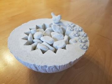 romantisches Tischfeuer, Durchmesser 24 cm aus Weißbeton mit Brennpaste-Gel