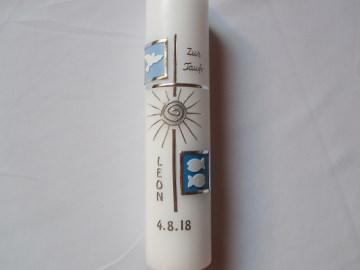 Taufkerze silbernes Kreuz blau  mit Sonne und weißen Symbolen  - Handarbeit kaufen