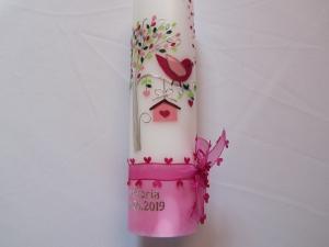 Taufkerze rosa-brombeer mit Lebensbaum und kleinem Vögelchen  - Handarbeit kaufen