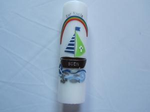 Farbenfrohe Taufkerze mit Boot  und Regenbogen - Handarbeit kaufen