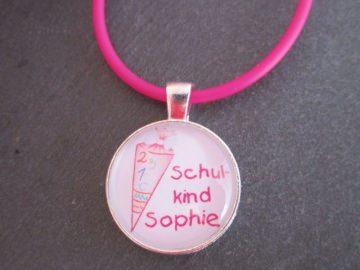 Individuelle Kette zur Einschulung Schultüte mit Wunschnamen, pink