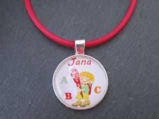 Individuelle Kette zur Einschulung Mädchen mit Schultüte inkl. Wunschnamen, rot - Handarbeit kaufen