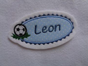 Für kleine Fussballfans ♥ toller Aufnäher ♥  max. 7 Buchstaben - Handarbeit kaufen