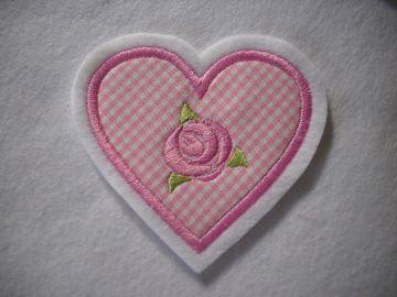 hübsche Herz-Applikation  ♡ mit gestickter Rose  ♡ rosa