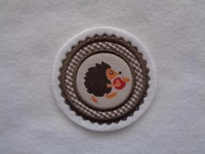 Mini-Button Igel ♥ Applikation ♥ Aufnäher♥ beige   - Handarbeit kaufen