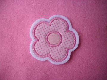 niedliche ☆  Blume ☆  ca. 5,5 x 5,5 cm  ☆ Applikation / Aufnäher