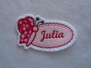 Schmetterling Appli mit Wunschnamen/text   ♥ Applikation ♥ Aufnäher weiß/rot ♥ max. 6 Buchstaben  - Handarbeit kaufen