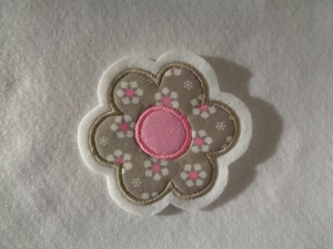 niedliche ☆  Blume ☆  ca. 6,5 x 6,5 cm  ☆ Applikation  ☆ Aufnäher   - Handarbeit kaufen