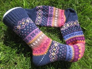 Bunte Socken Gr. 36/37 - gestrickte Socken in nordischen Fair Isle Mustern - Handarbeit kaufen
