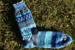 Bunte Männersocken Gr. 43/44 - gestrickte Socken in nordischen Fair Isle Mustern  - Handarbeit kaufen