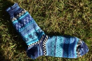 Bunte Socken Gr. 43/43 - gestrickte Socken in nordischen Fair Isle Mustern  - Handarbeit kaufen