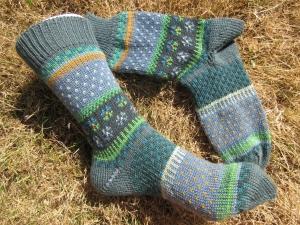 Bunte Socken Gr. 39/40 - gestrickte Socken in nordischen Fair Isle  - Handarbeit kaufen