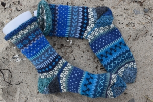 Bunte Socken Gr.40/41 - gestrickte Socken ind nordischen Fair Isle  Mustern - Handarbeit kaufen