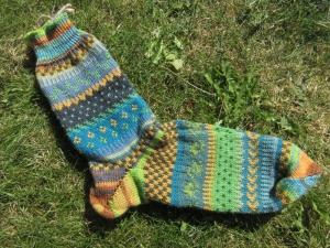 Fair Isle Socken Gr. 43/44 - Herrensocken im nordischen Mustermix - Handarbeit kaufen