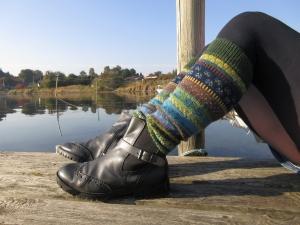 Bunte Stulpen Gr. S/M - Legwarmers - knielange Stulpen in nordischen Fair Isle Mustern - Handarbeit kaufen