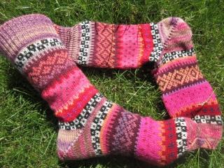 Bunte Socken - gestrickte Socken in nordischen Fair Isle Mustern - Handarbeit kaufen