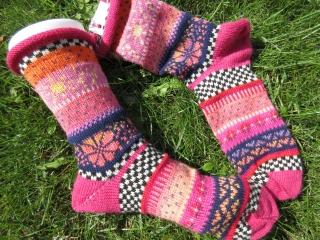 Bunte Socken Maibe Gr. 41/42 - gestrickte Socken in nordischen Fair Isle Mustern