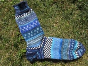 Bunte Socken Gr. 42/43 - gestrickte Socken in nordischen Fair Isle Mustern  - Handarbeit kaufen