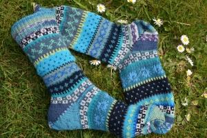Bunte Socken Gr. 37-38 - gestrickte Socken in nordischen Fair Isle Mustern - Handarbeit kaufen