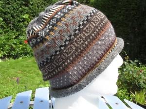 Mütze Gr. L - gestrickte Mütze in sanften Braun-Grautönen und nordischen Fair Isle Mustern - Handarbeit kaufen