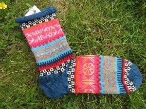 Bunte Socken Gr. 41/42 - gestrickte Socken in nordischen Fair Isle Mustern  - Handarbeit kaufen