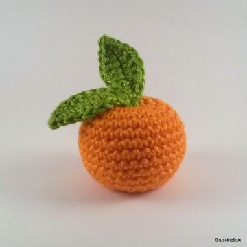 Gehäkelte Mandarine mit Blättern aus Baumwolle für den Kaufladen