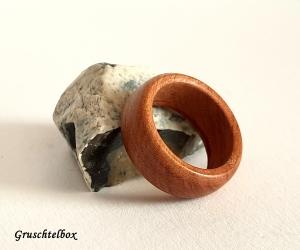 gedrechselter Holzring, Zwetschgenholz gewachst, Ringgrösse 55 - Handarbeit kaufen