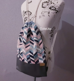 Turnbeutel, genäht aus Kunstleder, Canvas und Baumwolle, mit Innentasche