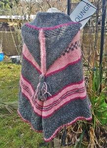 Poncho aus Islandwolle mit Zipfelkapuze** onesize (Kopie id: 100061754)