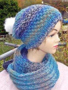 Bommelmütze**Beanie mit blauem Farbverlauf***onesize