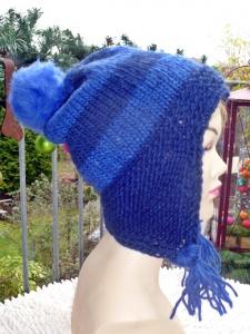 Mütze**Bommelmütze aus reiner Islandwolle mit Ohrenklappen in blau