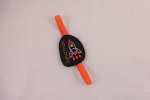 personalisiertes Lesezeichen Rakete, inkl. Namen mit Gummiband zur Befestigung, Filz, für Jungen, bestickt von Dieda, Palundu