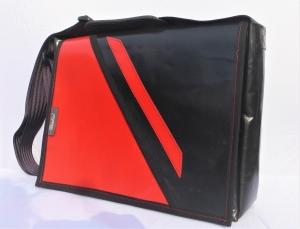 Wechelklappentasche, Tasche aus LKW-Plane mit Wechselklappe, schwarz, rot, LKW-Plane, handgemacht von Dieda, kaufen - Handarbeit kaufen