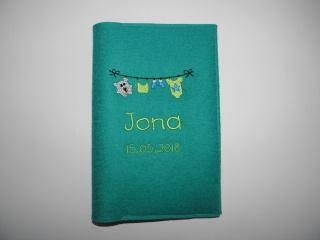 U-Hefthülle aus Wollfilz bestickt mit Wäscheleine und Name, U-Heft, Tasche, Geschenk, baby shower, handgemacht von dieda - Handarbeit kaufen