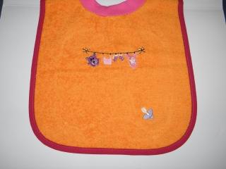 Riesenschlupflatz, Babylatz, bestickt mit Wäscheleine und den Namen des Kindes - Handarbeit kaufen