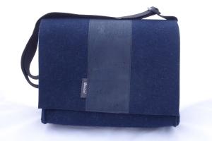 dunkelblaue Filztasche mit Korkstoff, groß und stabil, für Aktenordner, Tasche aus Wollfilz zum Umhängen,handgemacht von Dieda, kaufen - Handarbeit kaufen
