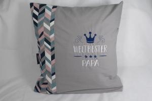 Kissen für Vatertag oder Geburtstag, bestickt, weltbester Papa, grau, Sofakissen, Dekokissen, 40 x 40 cm von Dieda - Handarbeit kaufen