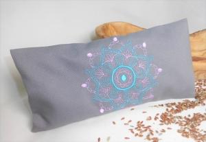 1 Stück handgemachtes Augenkissen Yoga, abnehmbarer Bezug, waschbar, grau, Farbauswahl, mit Leinsamen und Lavendel, bestickt, Meditation, Entspannung, Dieda - Handarbeit kaufen