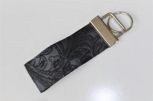 Edles Schlüsselband aus echtem dünnem Leder mit Muster, glitzernd, kurz, 3 cm breit, Klemmschließe mit Schlüsselring - Handarbeit kaufen